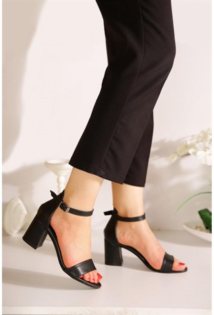 Kısa Topuk Kadın Sandalet Siyah Mat