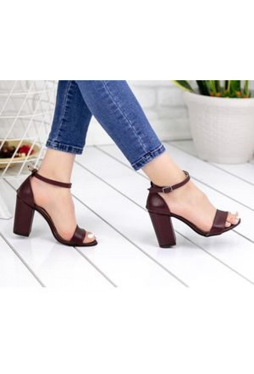 Kısa Topuk Kadın Sandalet Bordo Mat
