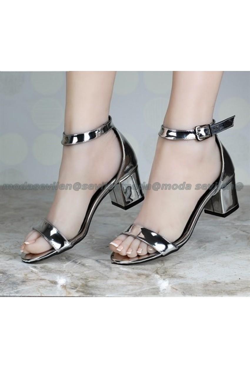Kısa Topuk Kadın Sandalet Gümüş
