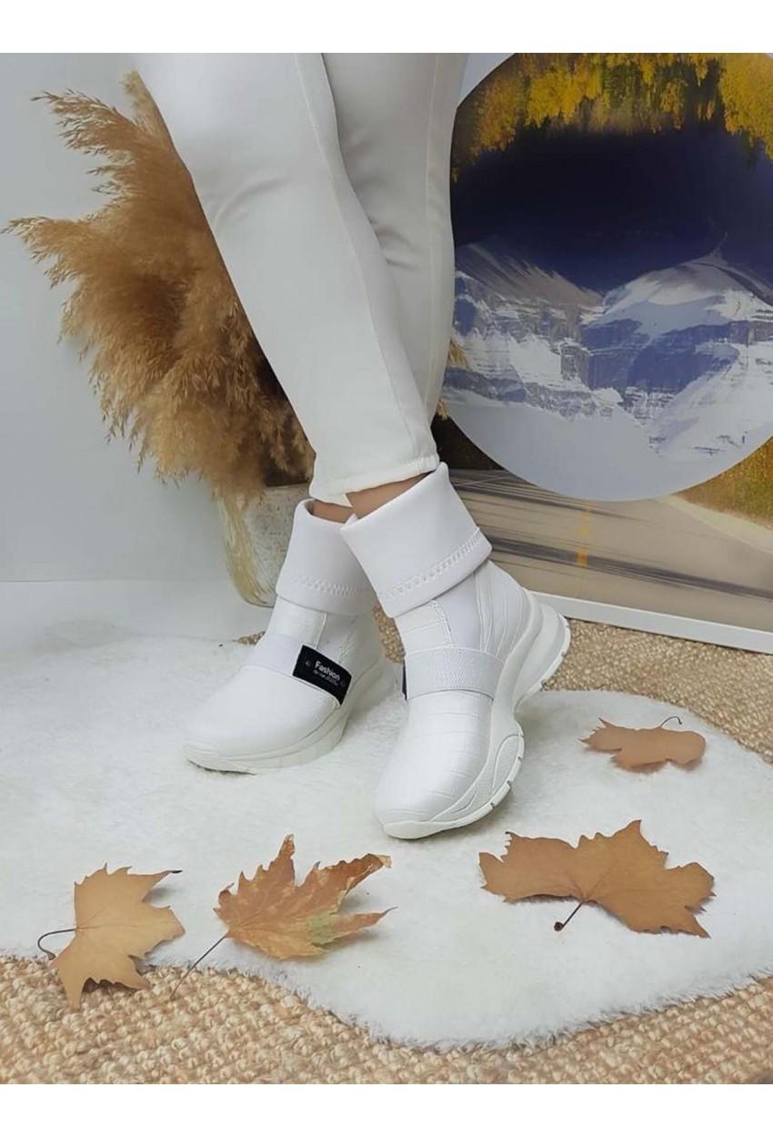 Bayan Üstü Streçli Çizme Beyaz